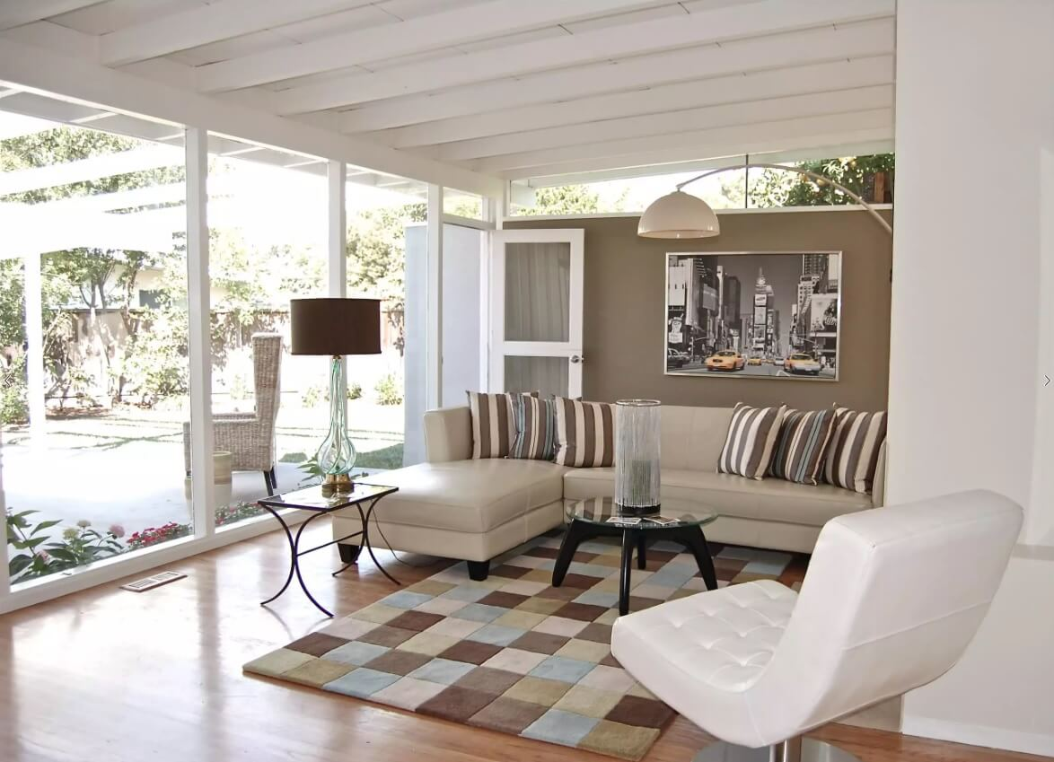 Classic style in gray tones emphasized with corner sectinal sofa