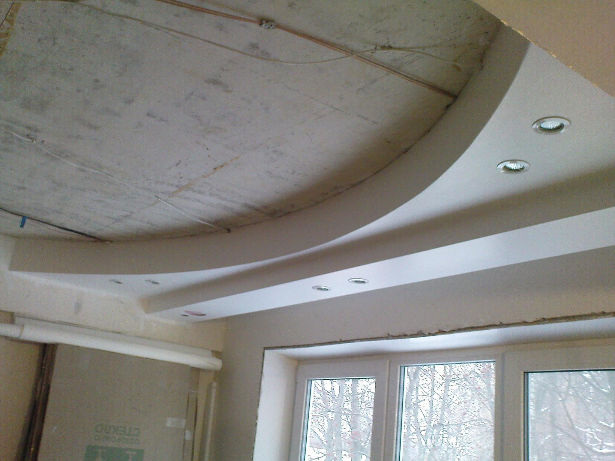 The process of multilevel plasterboard ceiling creation before puttying
