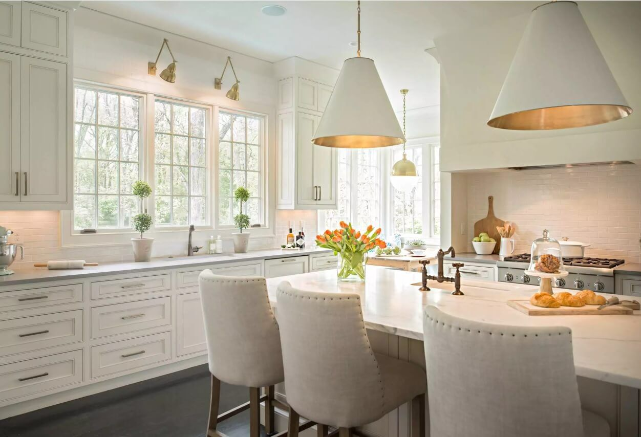 Kitchen Pendant Lighting Possible Design Types with Photos. Complex lighting scheme for the private house's premise