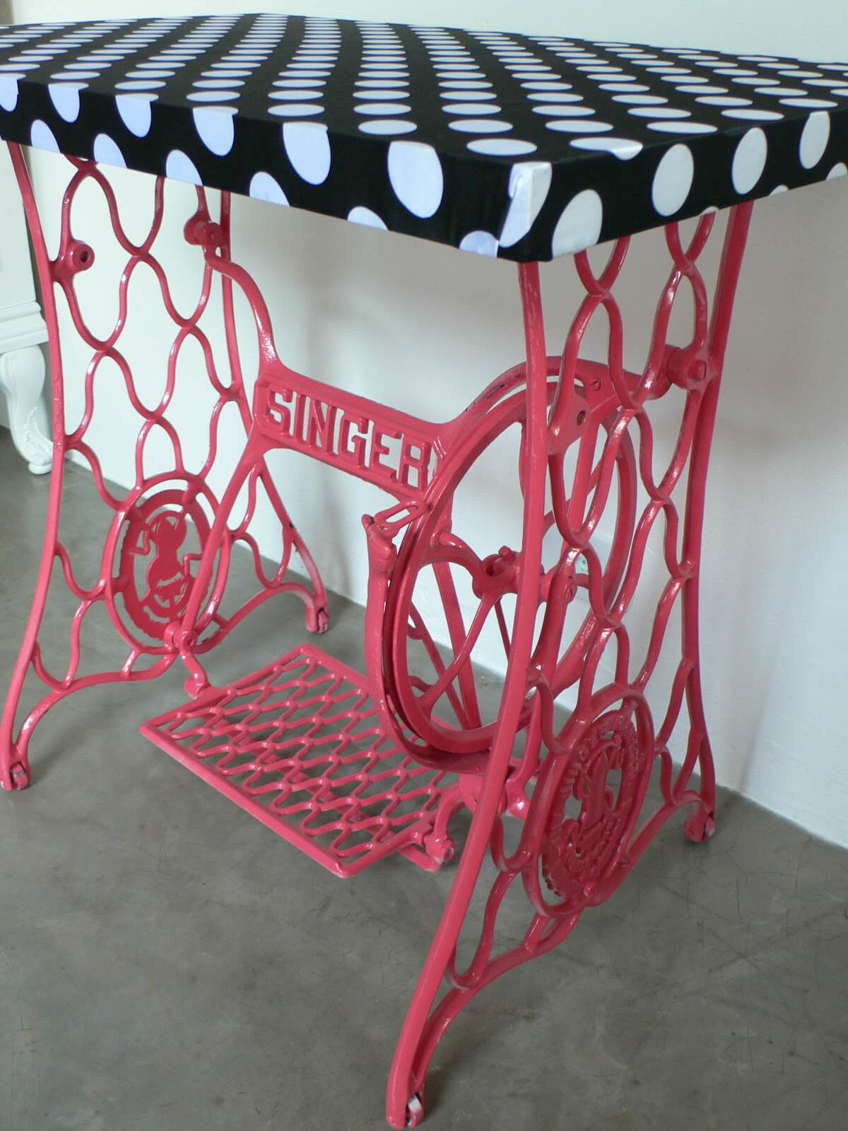 Old Sewing Machines' New Life in Your Interior. Red legs and zebra top