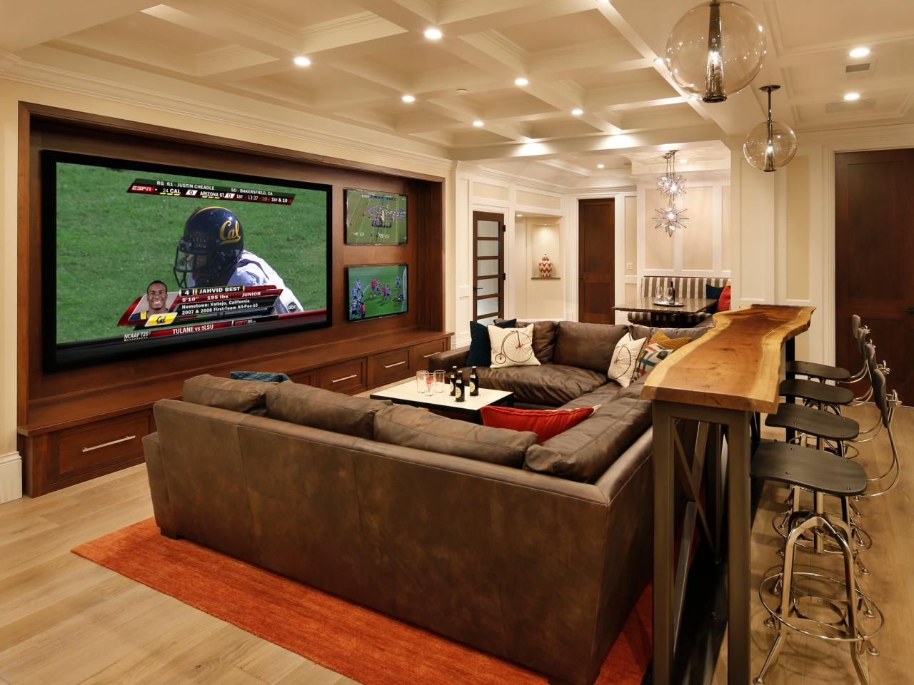 Home Theater as Addition to Large Modern Interior. Classic design for the large lobby in the private house