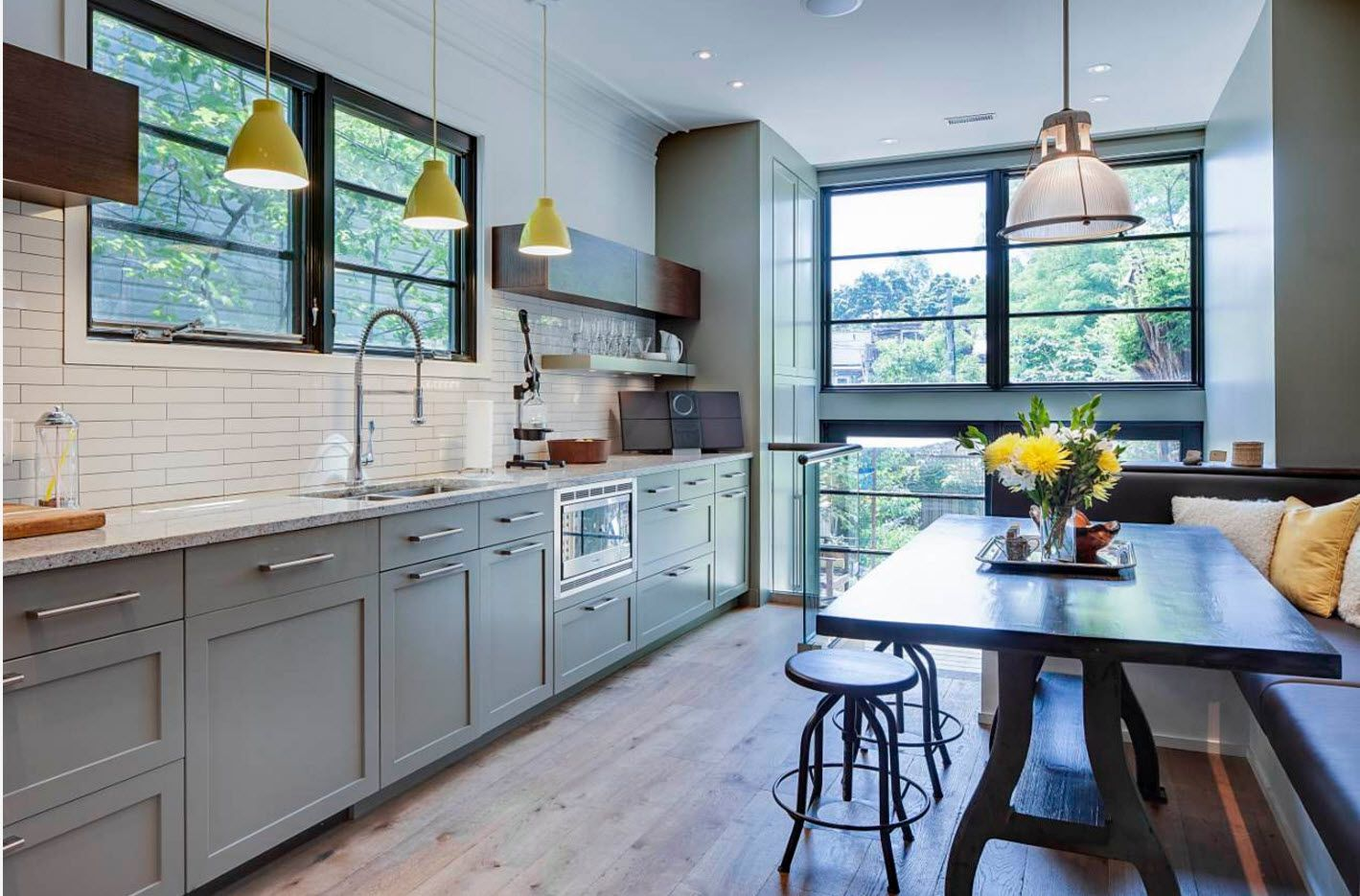 Contemporary and Classic interior alloy in the abundantly lit kitchen