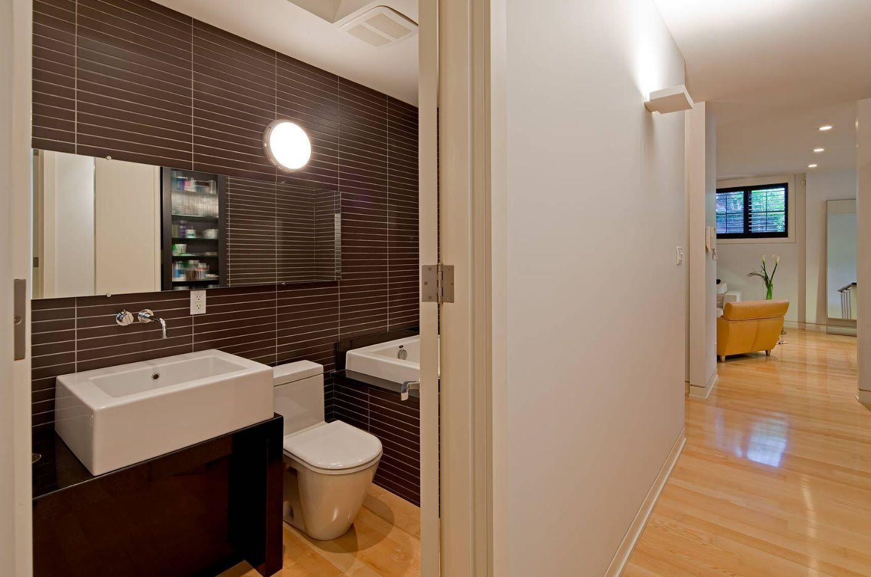 Small Bathroom Interior Space Optimization Ideas & Layout Photos 2017 flat and long dark brown tiles