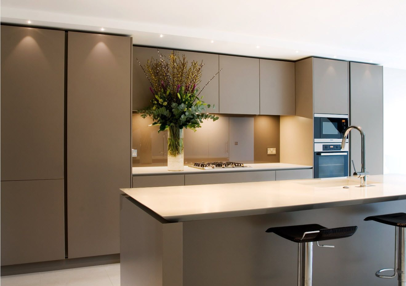 Pastel colors for successful kitchen interior 2017