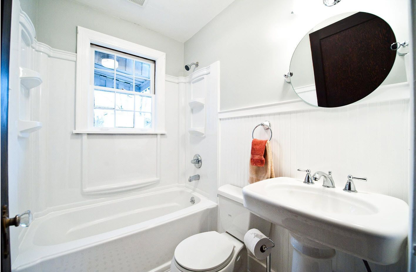 Classic design for the small functional bathroom space