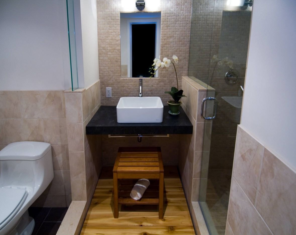 Solid and strict design ideas combined in one small bathroom