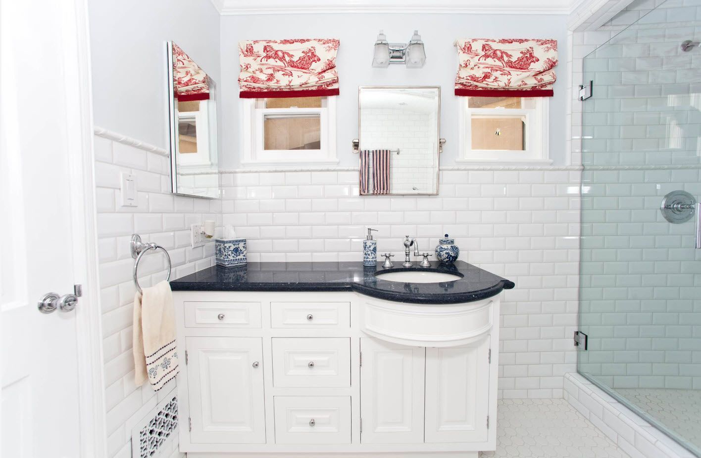 Small Bathroom Interior Space Optimization Ideas & Layout Photos 2017 white small tile and rounded counter of vanity