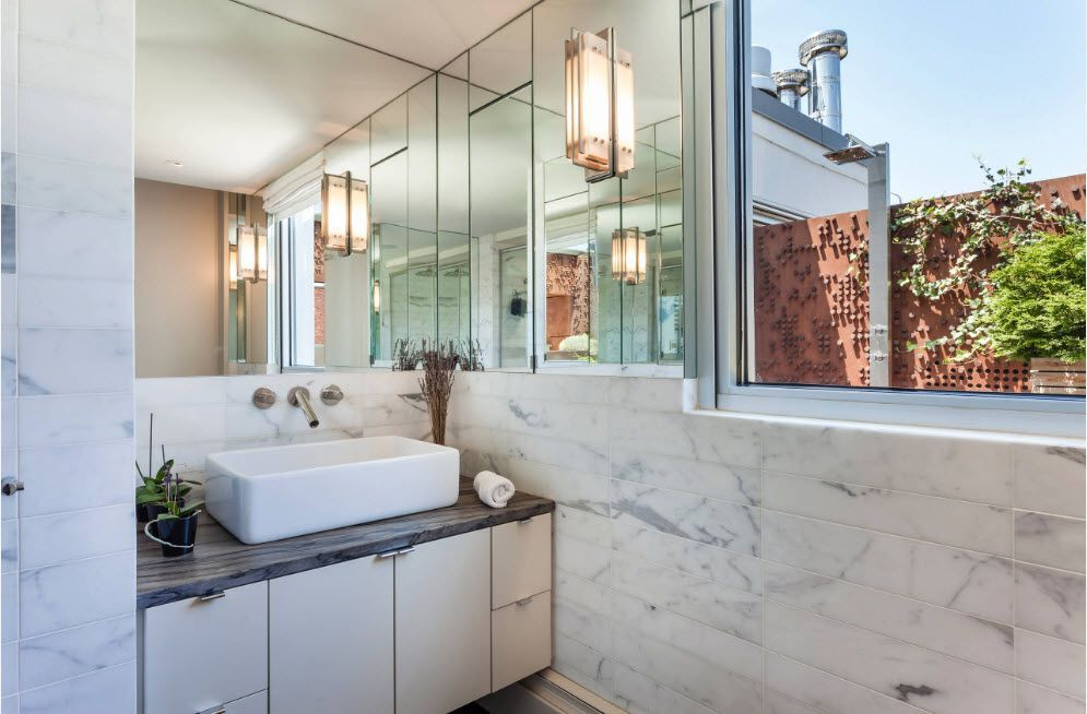 Marble theme in the full of glass bathroom