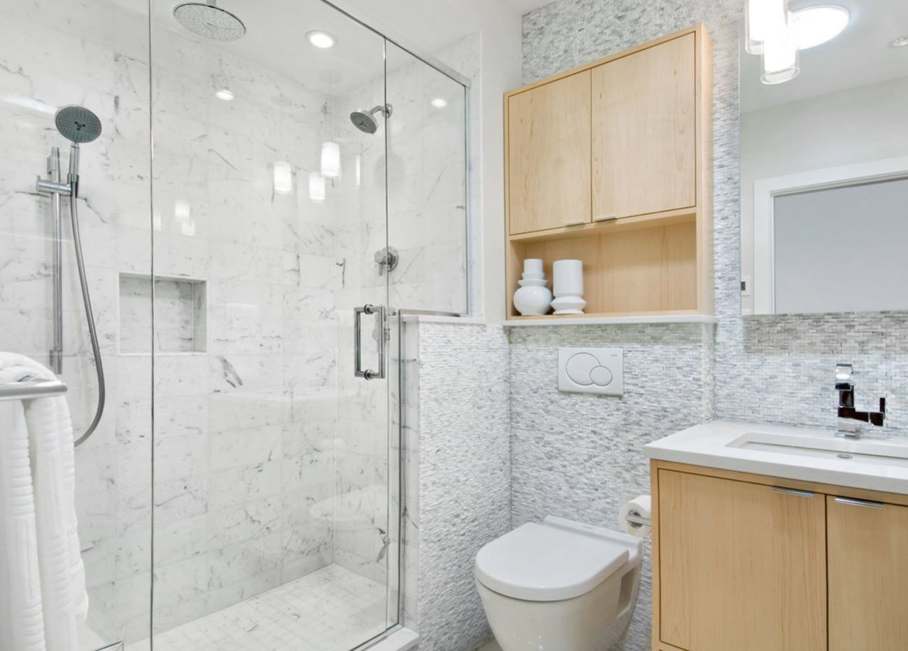 Small Bathroom Interior Space Optimization Ideas & Layout Photos 2017 Mirror glass surfaces of the shower