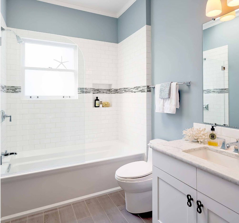 Bathroom with nice bluish olive color dilution