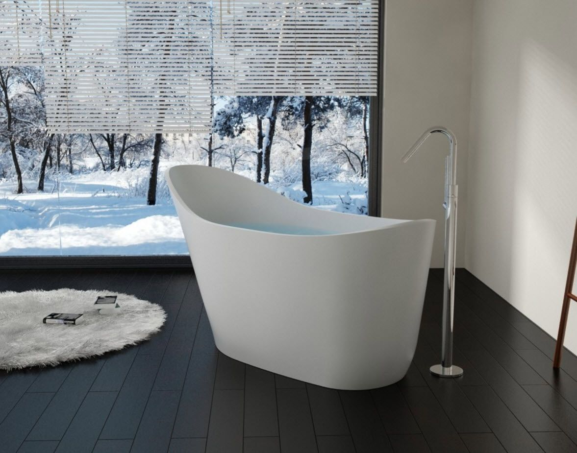 Unusual modern acrylic bathtub's form