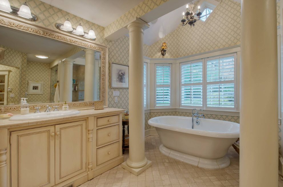 Royal Classic designed bathroom with the column and oval bathtub