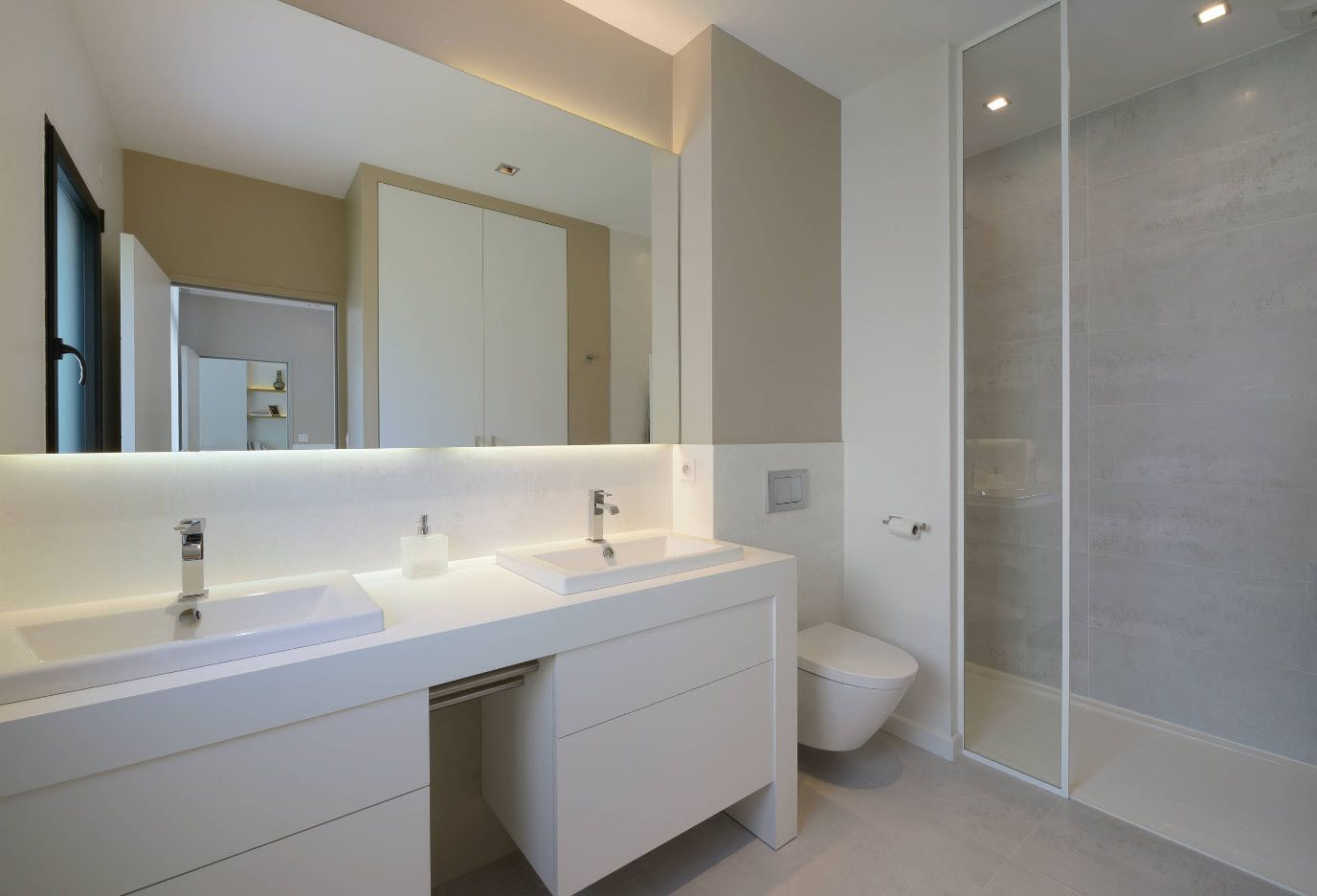 White and gray combination ofo the bathroom in contemporary style