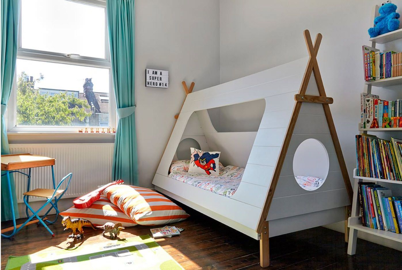 Wigwam-like bed for the young adventurer