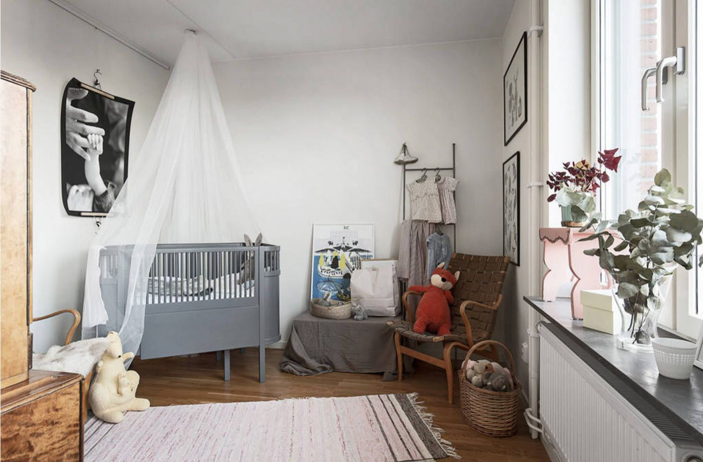 Classic and vintage mix of styles in the nursery