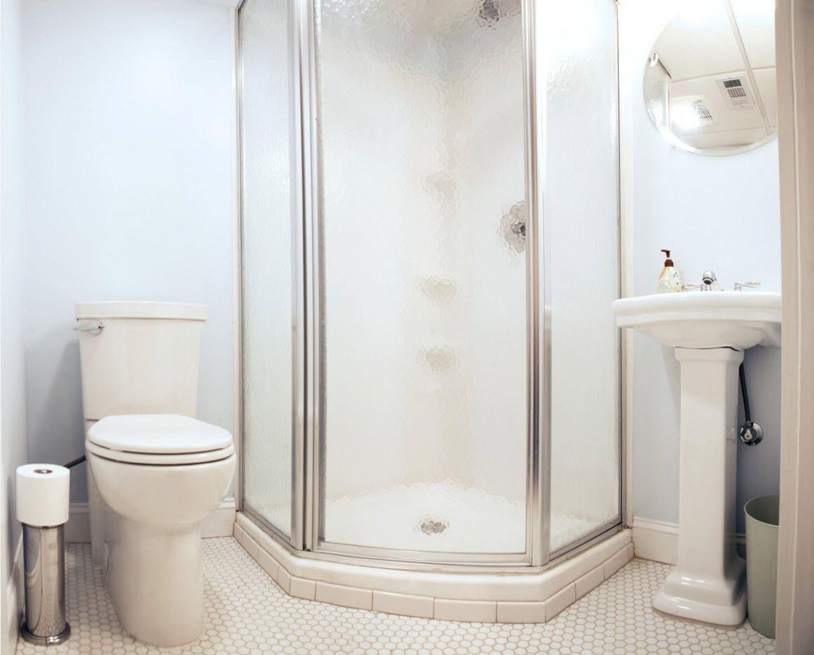 Shower cabin with hydromassage