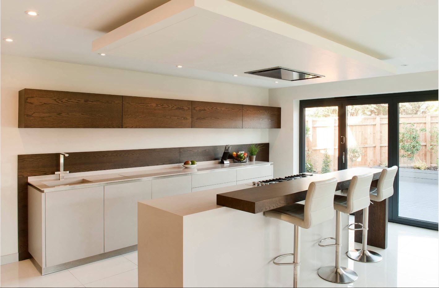 Wooden surfaces as a backsplash of spectacular design of the kitchen