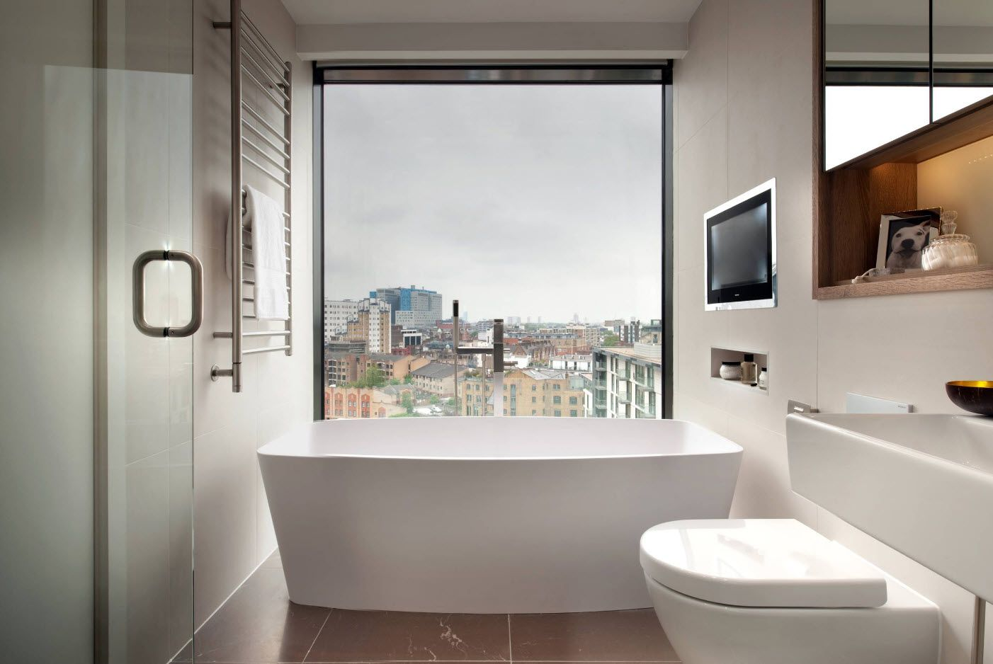 Small Bathroom Interior Space Optimization Ideas & Layout Photos 2017 spectacular look outside the window