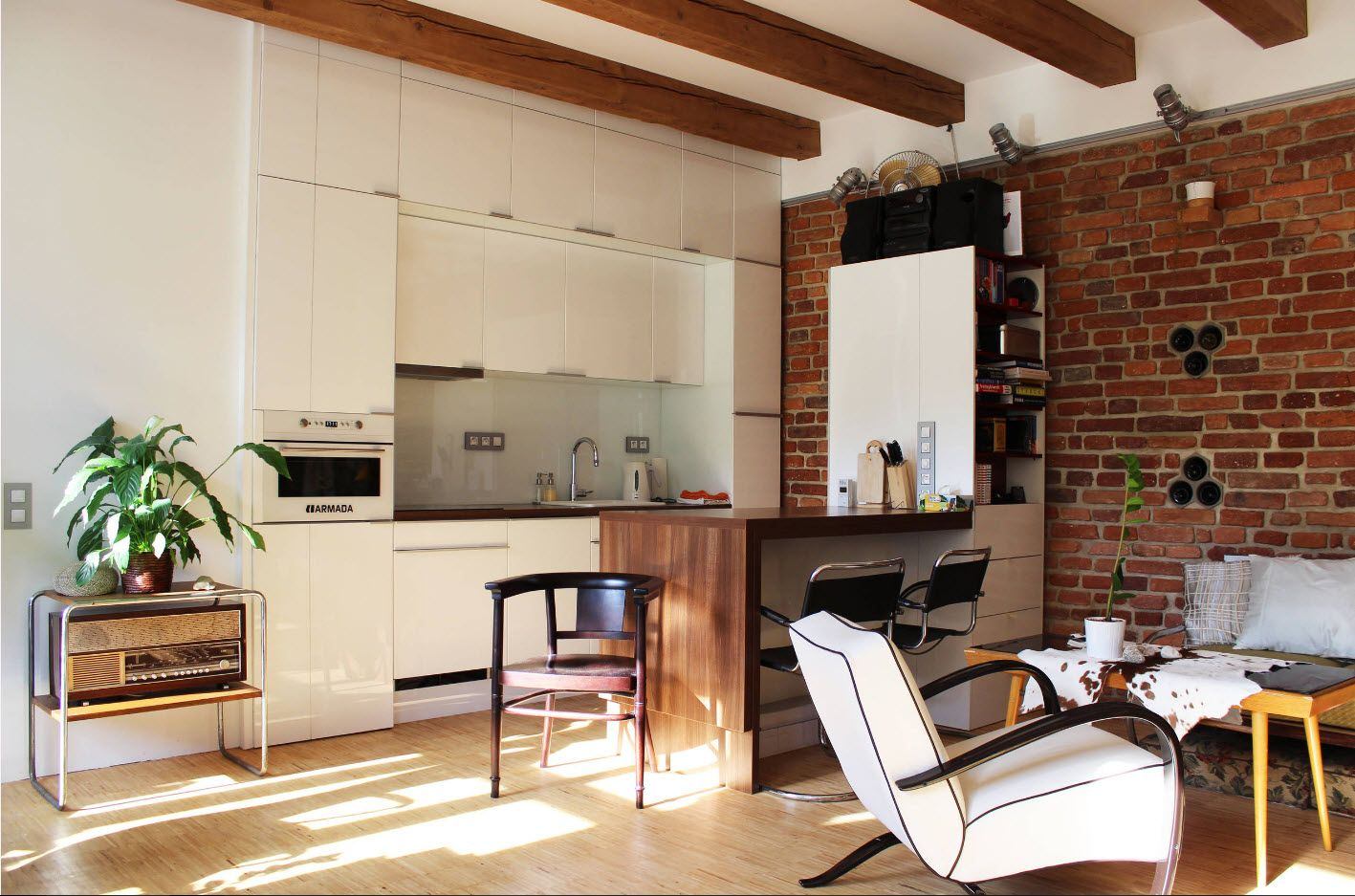 100+ Small Studio Apartment Design Ideas & Real-life Projects Photogallery. Nice kitchen with white facades and brickwork