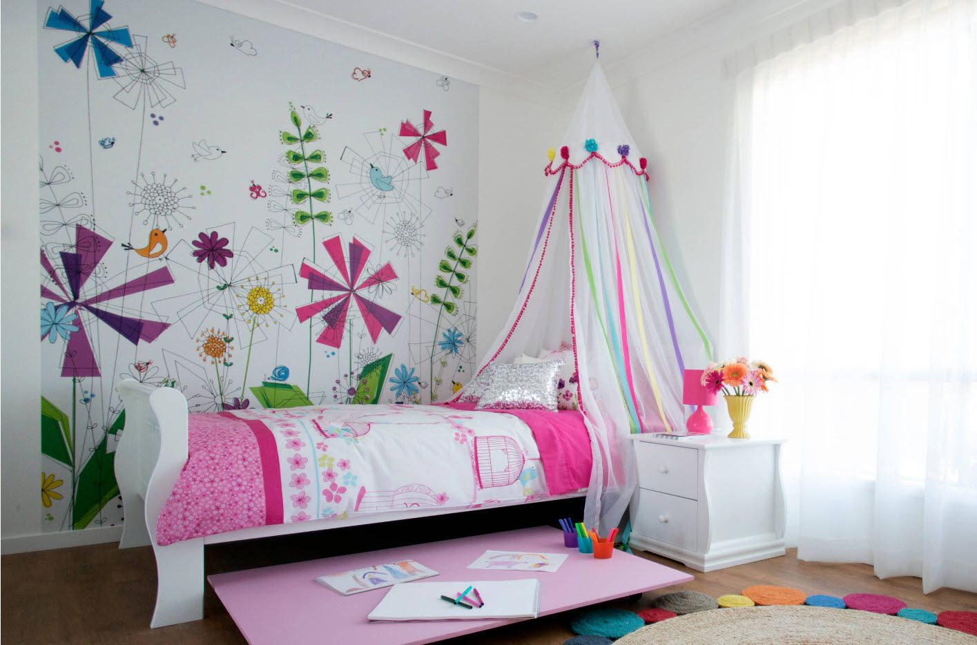 Pink notes in the modern girl's room with canopy bed