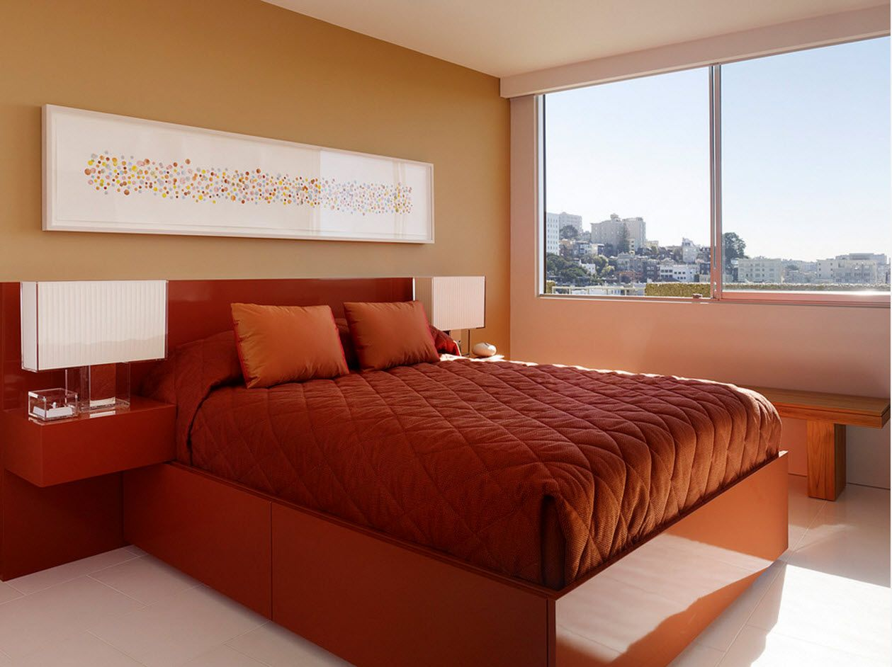 Sandy bright king size platform bed in the modern bedroom