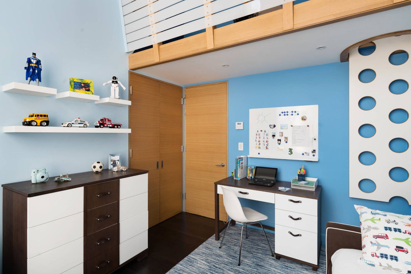 Two-level successful design of the children's room