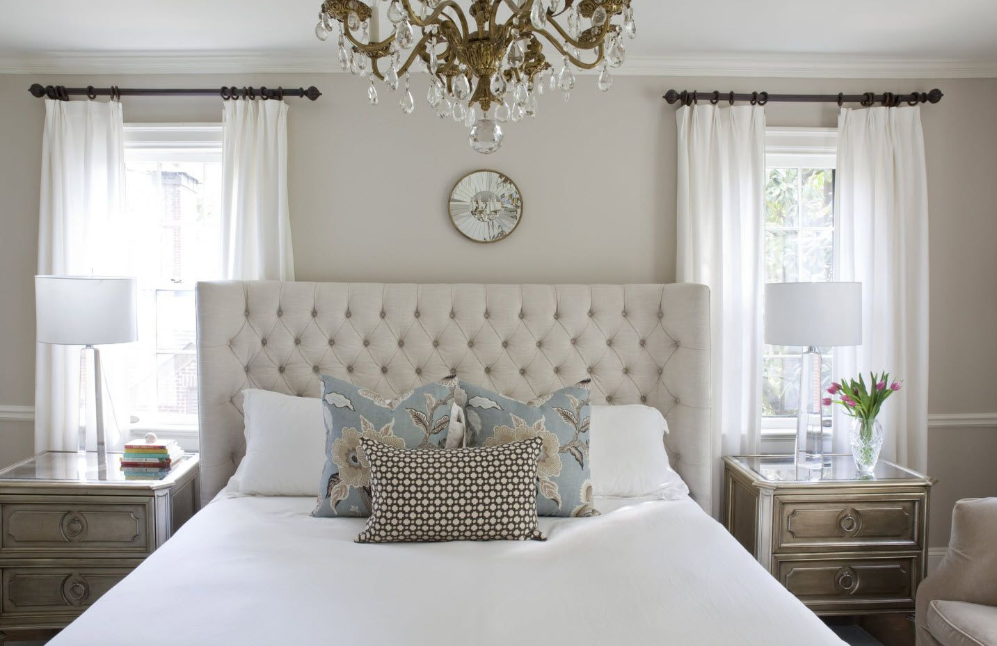 Modern Bedroom Interior Decoration & Design Ideas 2017. Quilted headboard and luxurious crystal chandelier