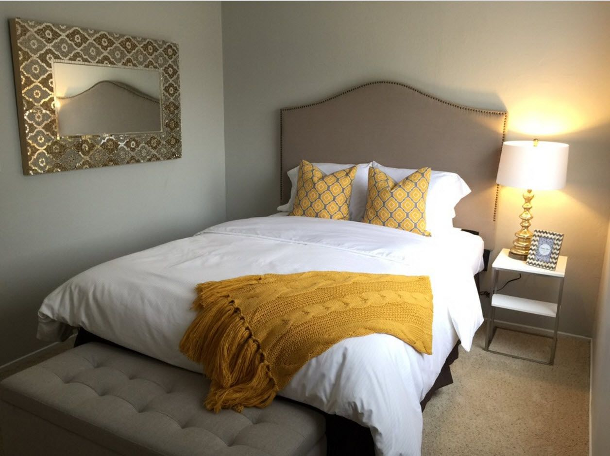 Yellow touch in the classic styled interior