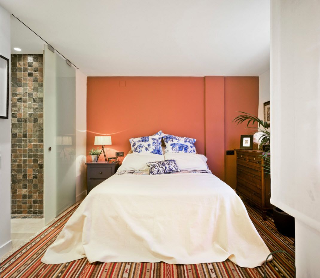 Warm tints in the bedroom