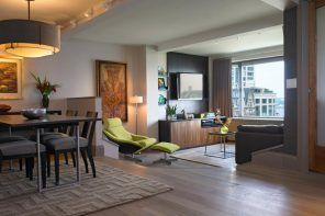 Apartment Interior Design Inspiration Ideas & Trends 2017. Zoned studio with king sized armchair and noble wooden inlays