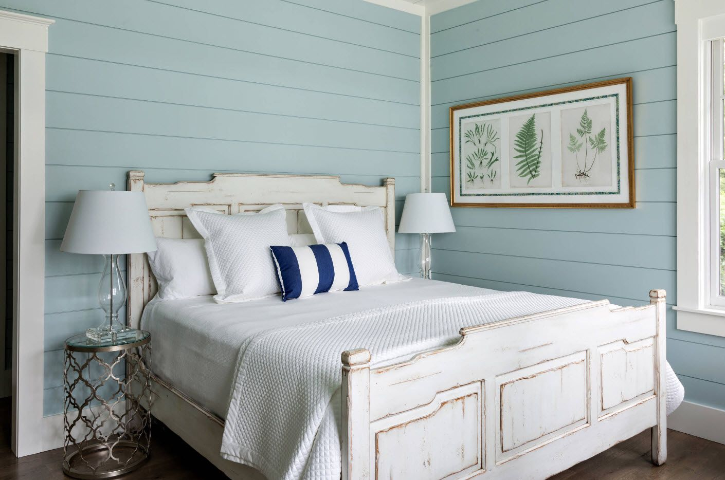 Turquoise palette for Rustic bedroom