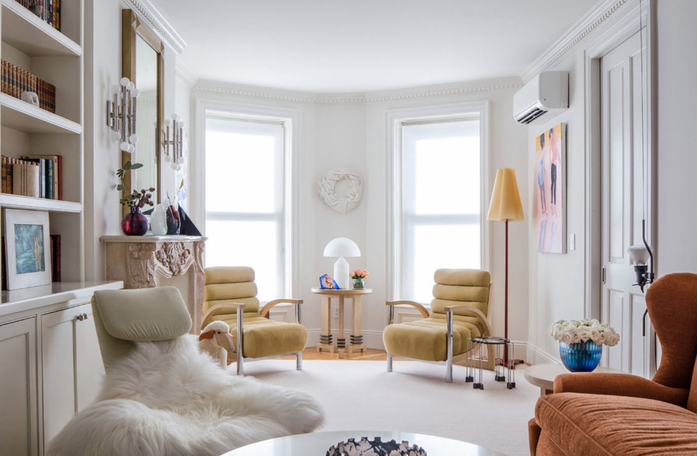 Nice white and lit with light Scandinavian interior