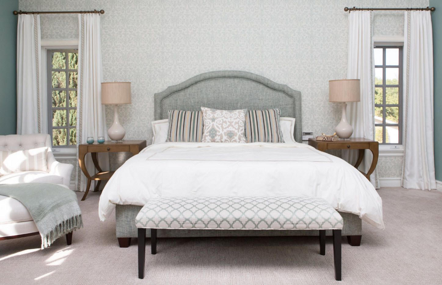 Mere Classic bed with the wavy upholstered ottoman