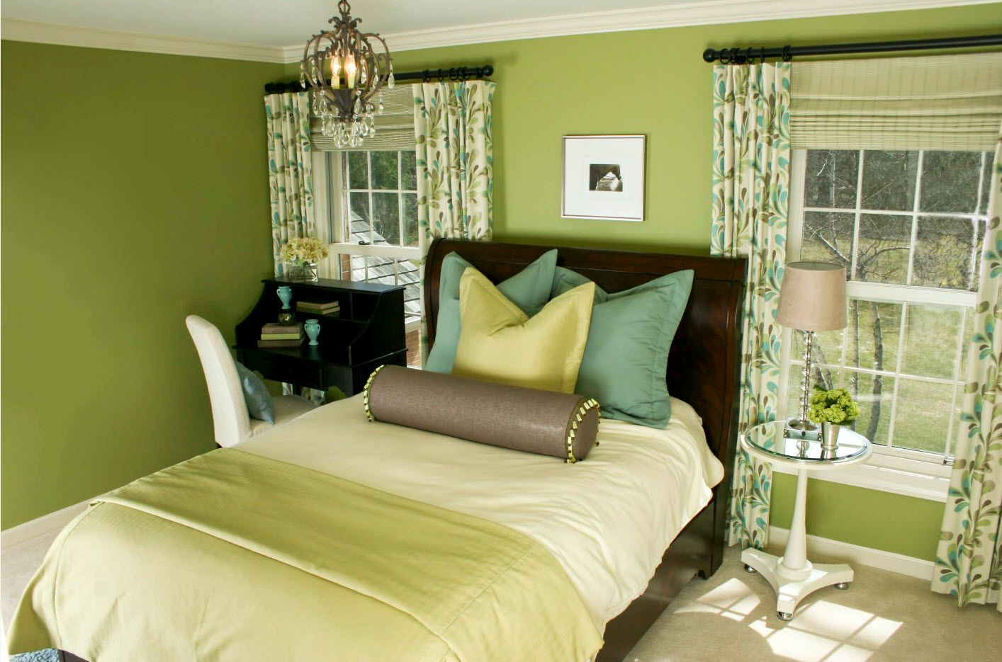 Olive color set for modern bedroom 2017 with colorful draperies