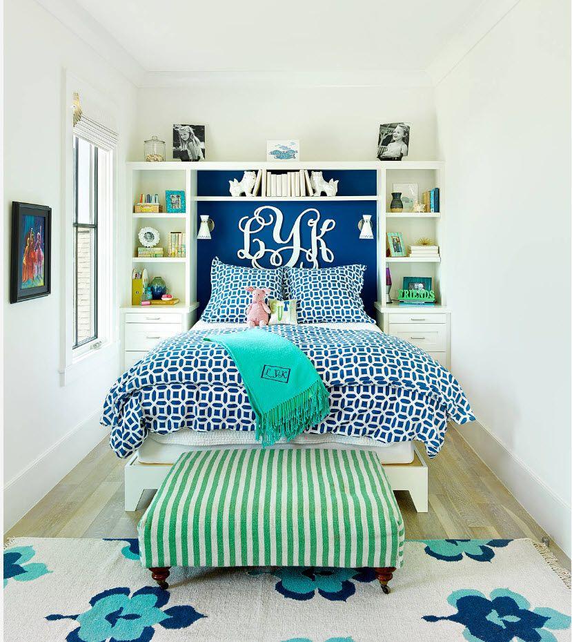 Modern interpretation of the Marine style in the tight modern bedroom