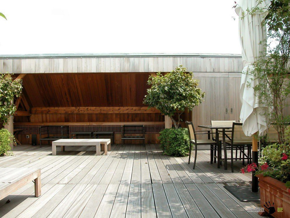 Modern terrace styling at the loft Parisian aprtment