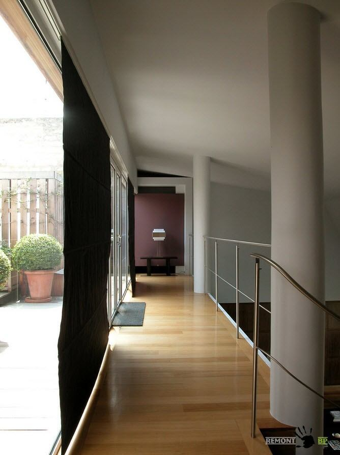 Entrance to the terrace from the cozy stairs in the spacious apartment
