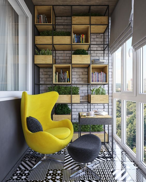 Yellow seat and improvised niches of boxes