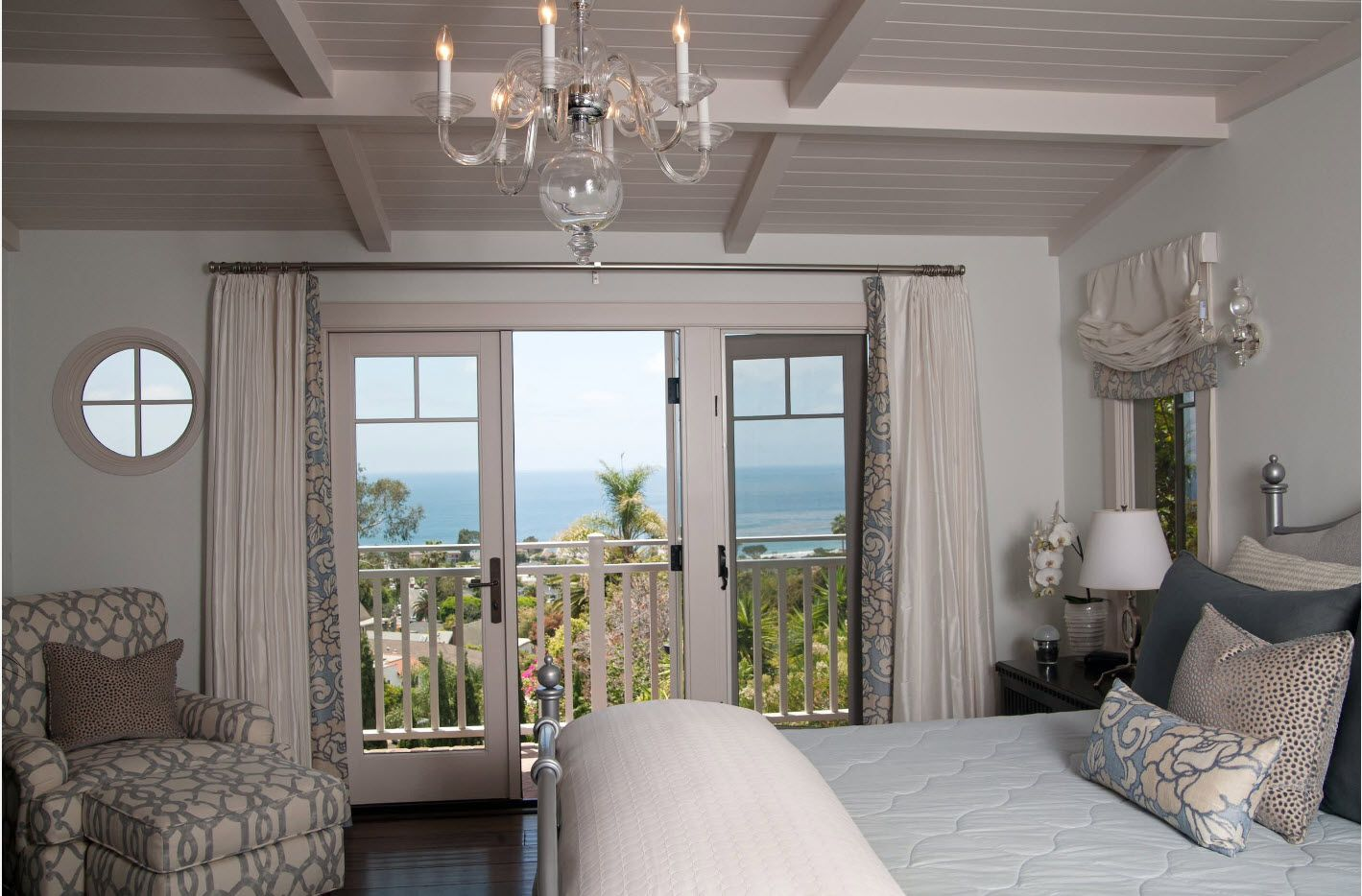 Bedroom Drapes 2017. Design, Forms, Real Examples with Photos. Nice classic set of the room with look to the ocean