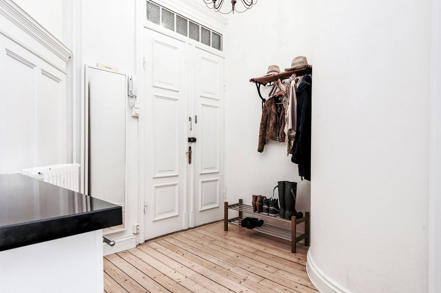 Classic white idyll for the hallway