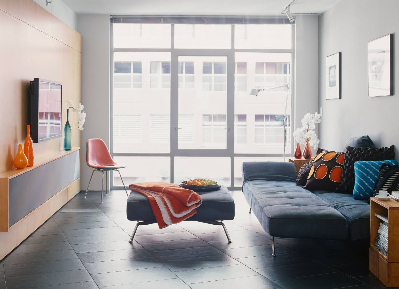 Nice gray colored space of the minimalistic living room