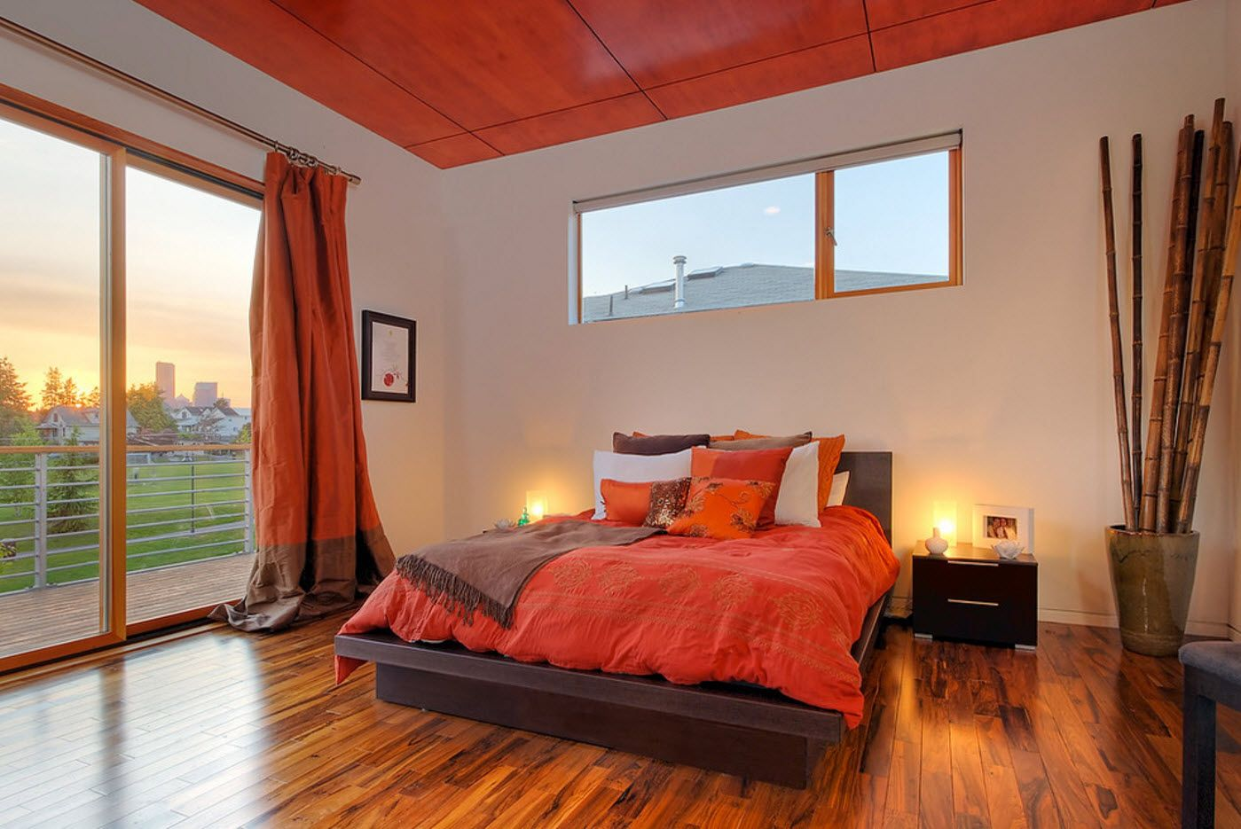 Gorgeous and unrepeatable bedroom design in nible wooden and dark red shades