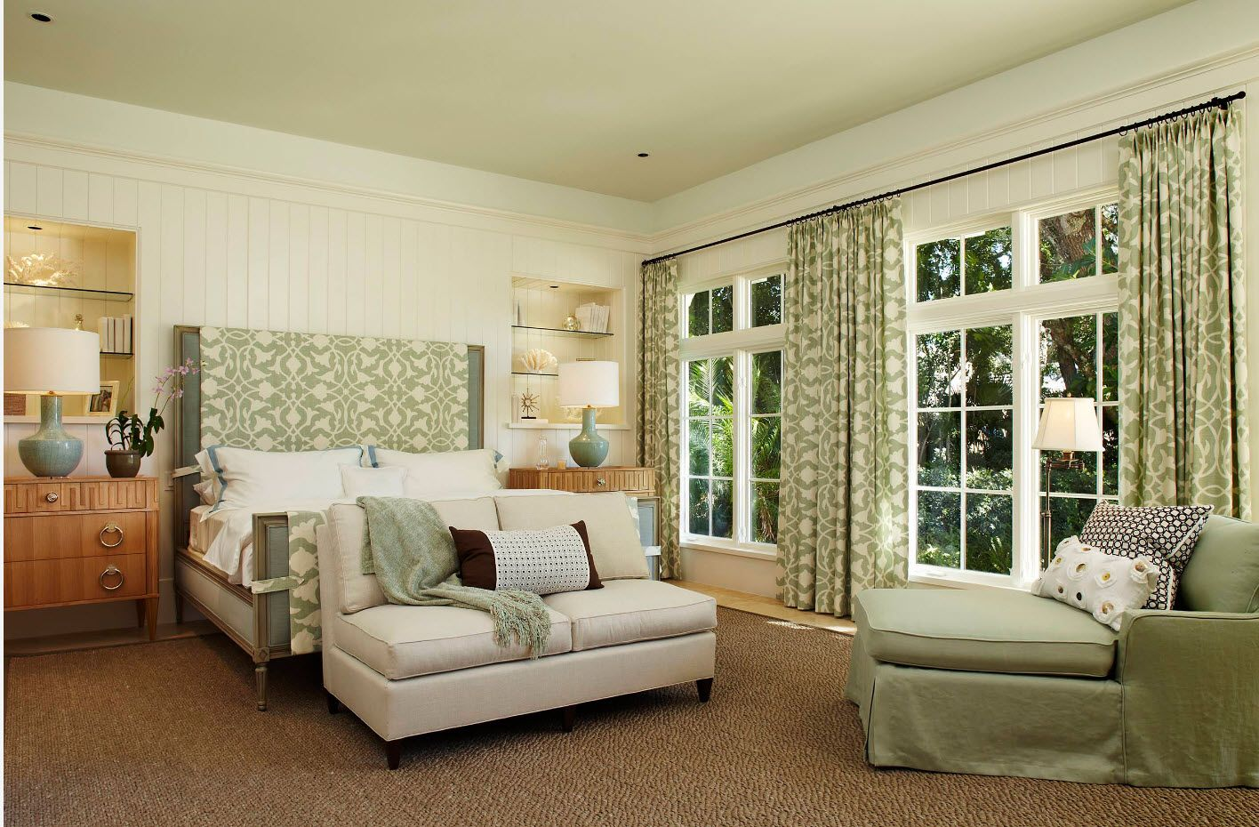 Olive color scheme for the rustic private house bedroom design