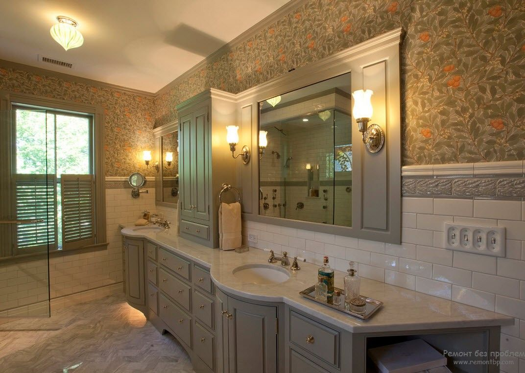 Unbelievably luxurious master bathroom in Victorian style for private house