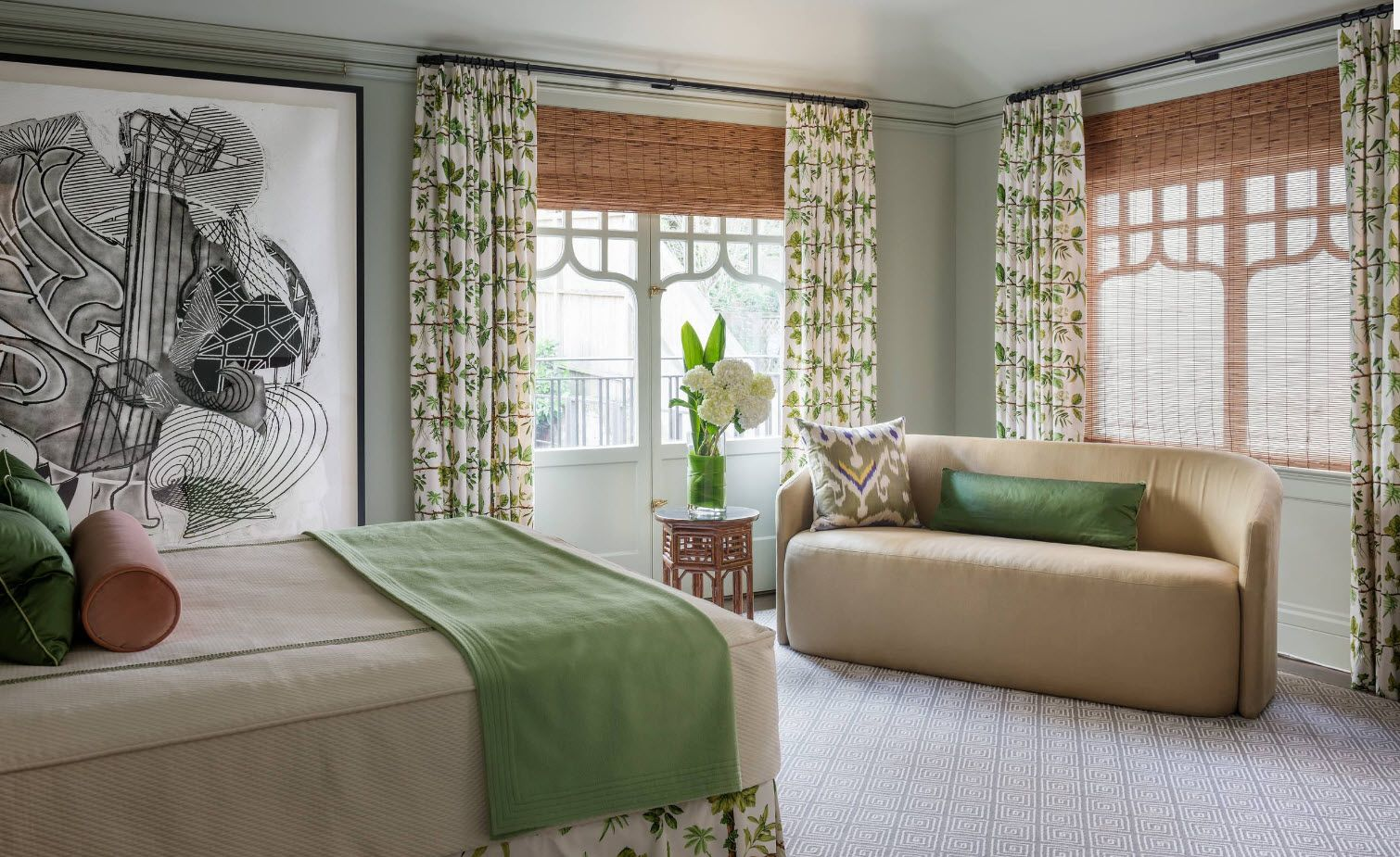Bedroom Drapes 2017. Design, Forms, Real Examples with Photos. Colorful draperies and blinds all in one