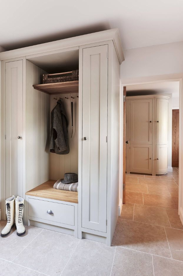 Entrance Hall Design Ideas 2017. Photos, Real Examples, Decoration Advice. Closing cabinet in the pastel Scandi style