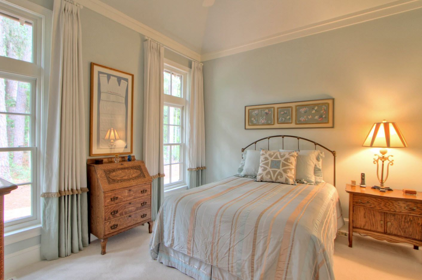 Shabby chic and classic intertwine for modern bedroom