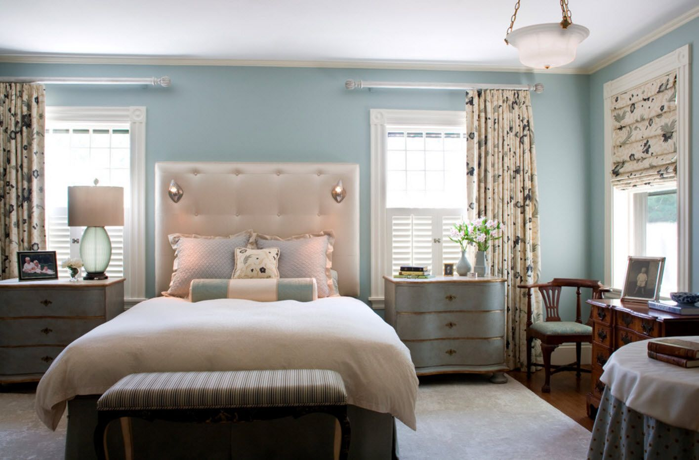 Bedroom Drapes 2017. Design, Forms, Real Examples with Photos. Turquoise color theme for the small ascetic classic styled room