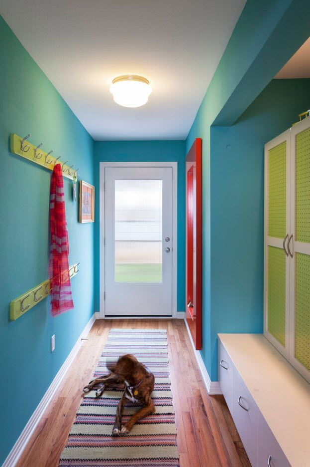 Turquoise interior design for pop-art styled hallway