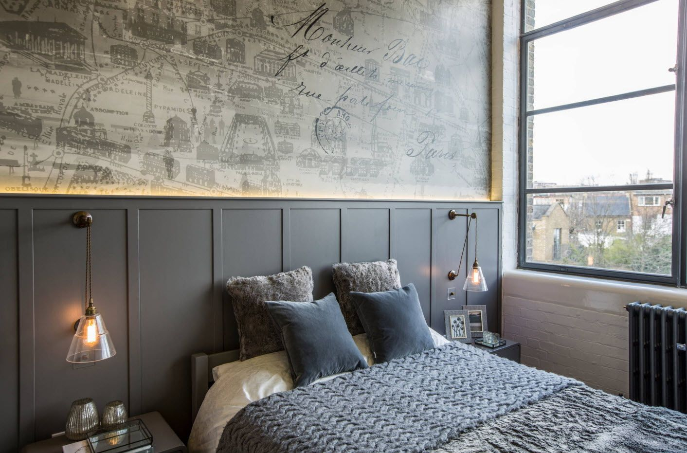 Abstract highlighted wall decoration in the modern catchy bedroom